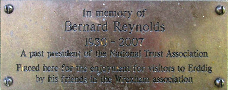 Bernard Reynolds