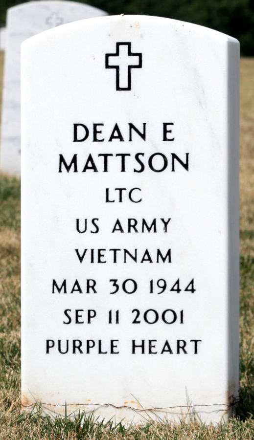 Grave Dean E. Mattson