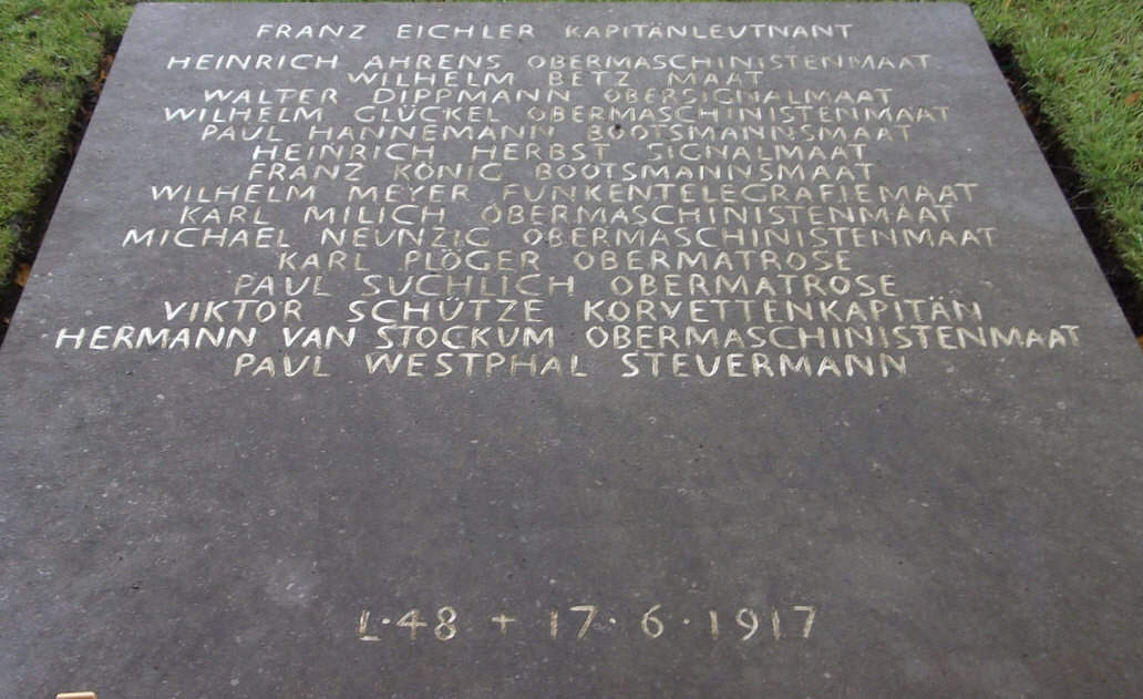 The grave of the crew of airship L48